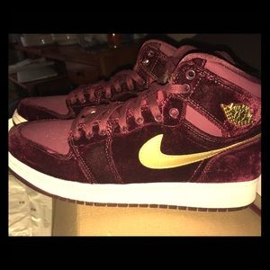 Air Jordan 1 Heiress GG 'Velvet' Youth Sneakers
